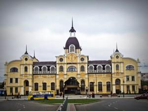 Луцький залізничний вокзал після реконструкції 2012 рік